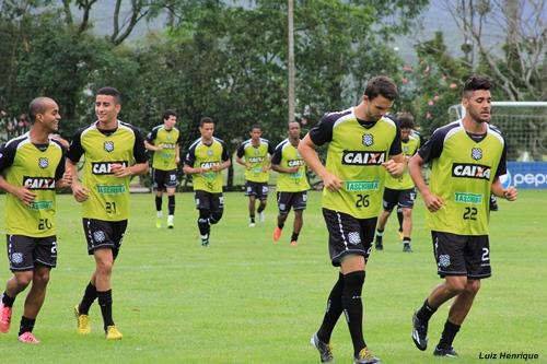 Figueirense depende de uma vitória sobre o Bragantino para garantir acesso à Série A 2014